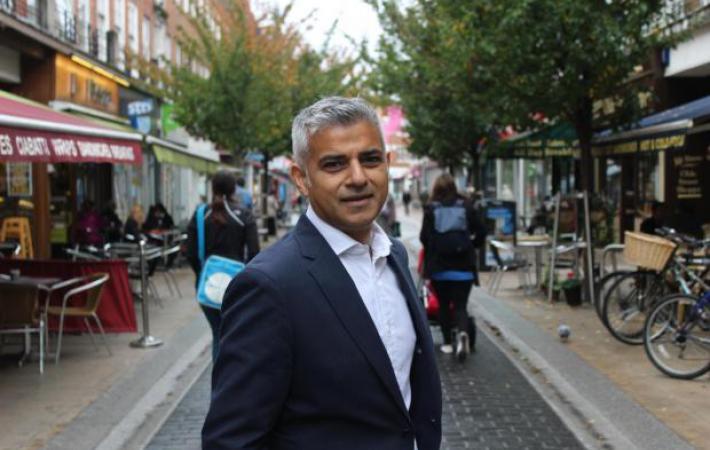 Садик Хан моли гражданите на Лондон да запазят европейското си гражданство