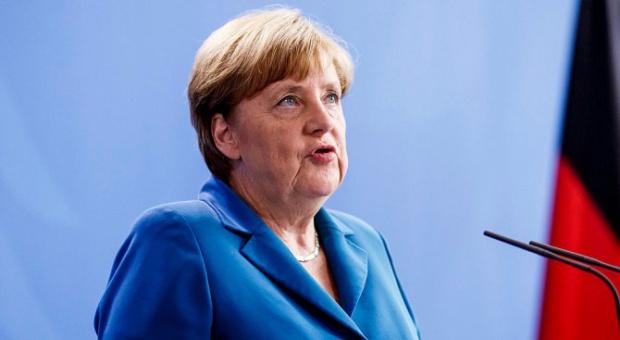 Меркел почивала в България, докато живяла в бившата ГДР