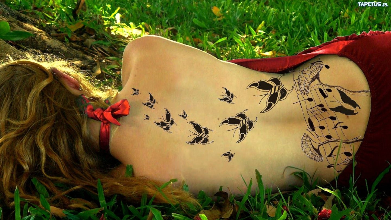 Татуировки за чудо и цвят