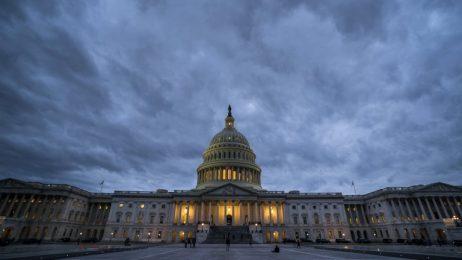 Сенатът на САЩ близо до споразумение за излизане от правителствената криза