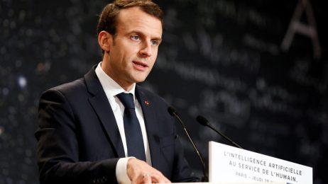 Френският президент свика консултации и ще направи дългоочаквано обръщение към нацията