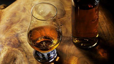 Великобритания е произвела 9 от всеки 10 бутилки уиски в ЕС през 2016 г.