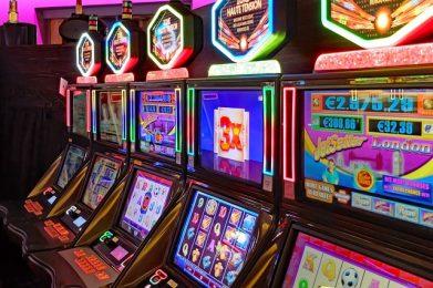 И Великобритания с мерки срещу хазарта – ограничава до £2 залога на машините