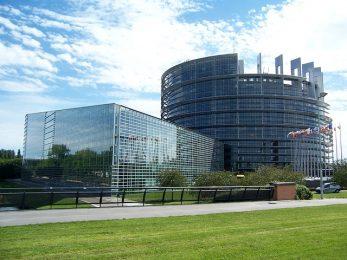 Юнкер: Британците са европейци на непълно работно време