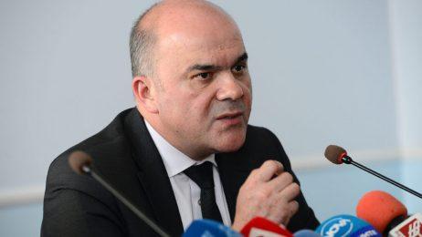 Напрежението около децата с увреждания доведе до оставката на Бисер Петков