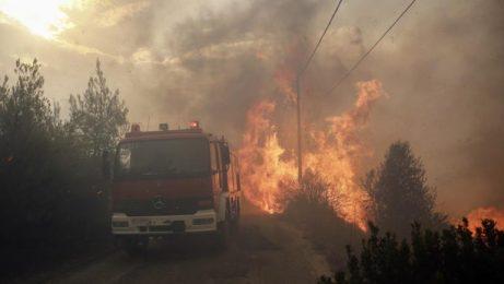 Извънредно положение в Атина, пожарът уби десетки