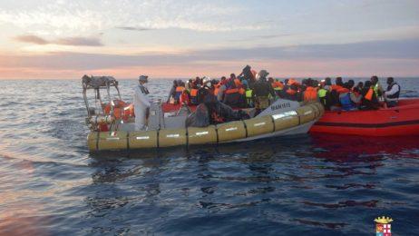 """""""Фронтекс"""": Новият маршрут на мигрантите към Европа е през Испания"""