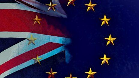 Депутати на Мей искат спешна среща за отлагане на Brexit