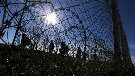 Мигрантите, които напускат страната, са повече от влизащите