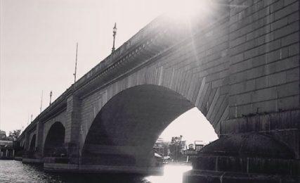 Как лондонски мост беше продаден на американец за $2.5 млн.?