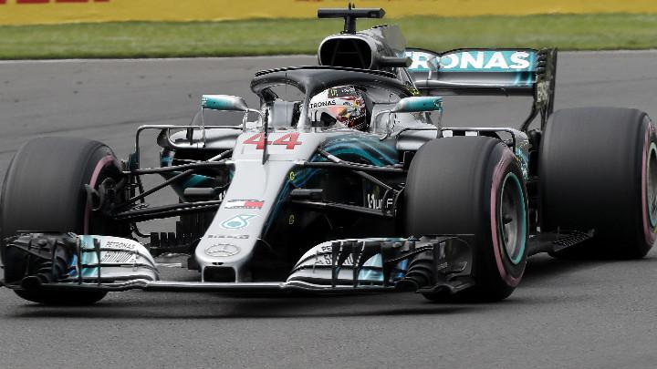 Люис Хамилтън е най-бърз в квалификацията за Гран при на Бразилия