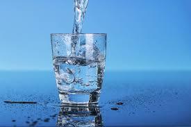 Защо е полезно да пием вода на гладно?