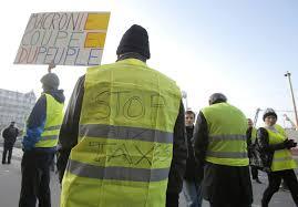 Втори ден продължават протестите срещу поскъпването на горивата във Франция