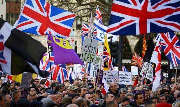 Хиляди хора участваха в марш в подкрепа на Брекзит в Лондон