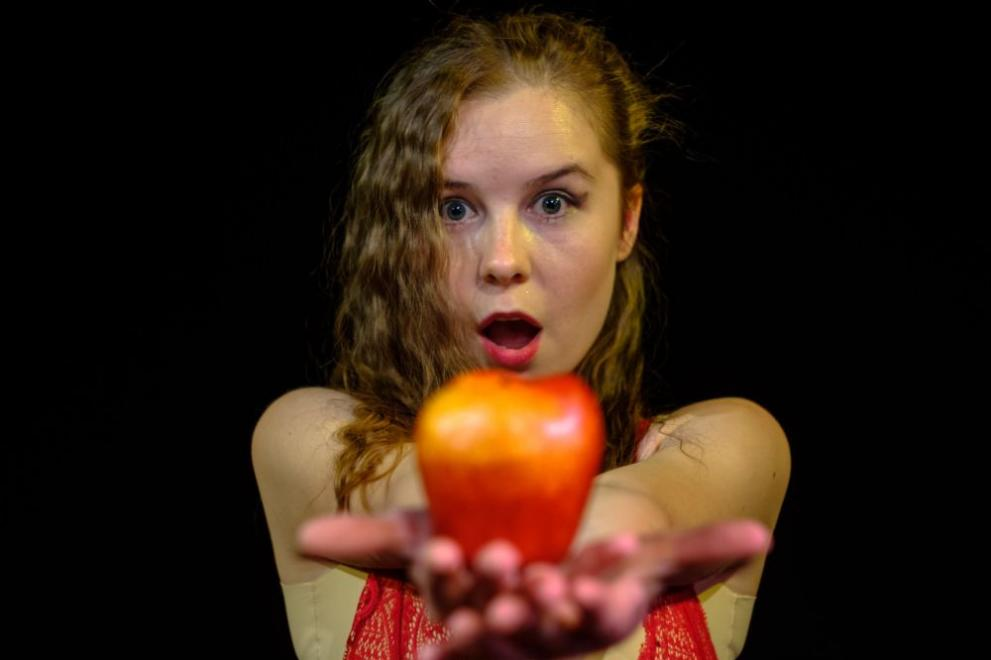 Кристина Топалова – изгряващото слънце на българския театър