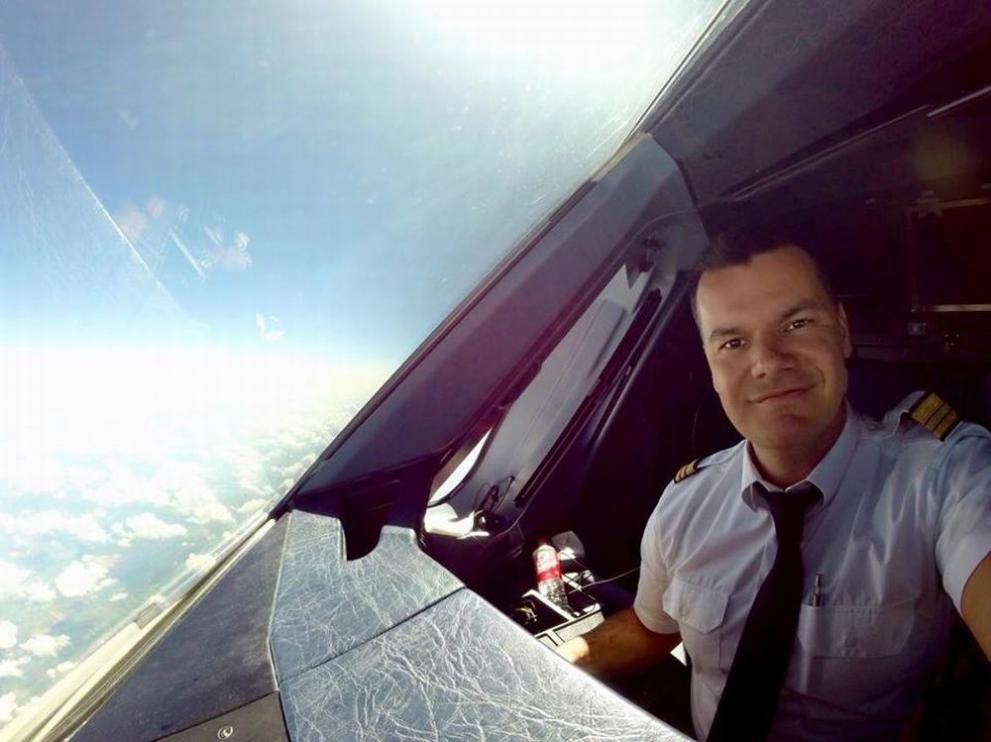 Да полетим към мечтите и небето с… Марио Бакалов