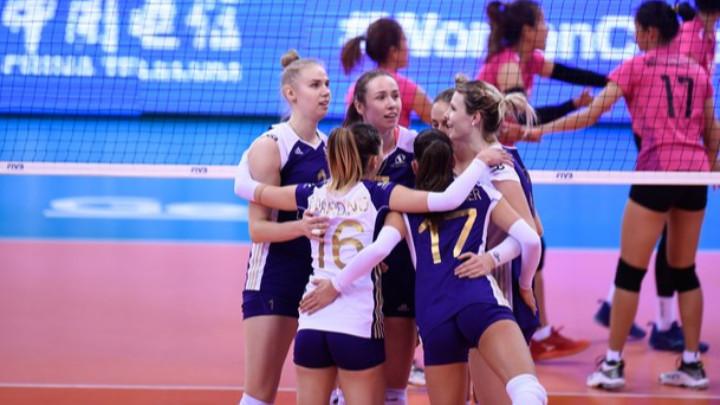 Българки губят на световното клубно първенство по волейбол