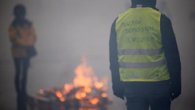 """Блокади на """"Жълтите жилетки"""" взеха две жертви"""