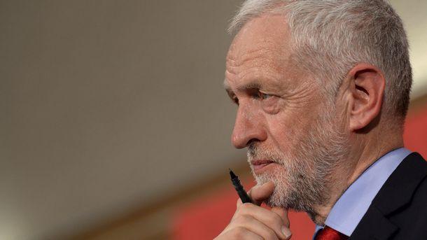 Британски депутати прокараха поправка, която ще затрудни Брекзит без сделка