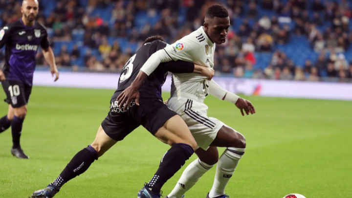 Реал с класическа победа за Купата, Атлетико направи равен