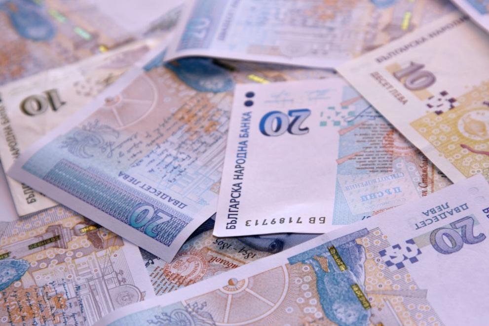 Маскирани нападнаха собственик на обменно бюро в Петрич и отмъкнаха 100 000 лв.