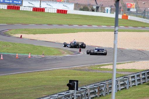 """""""Заубер"""" се преименува на """"Алфа Ромео"""" за новия сезон във Формула 1"""