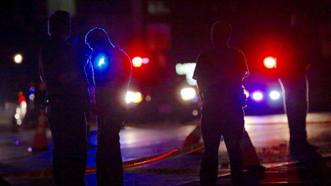 Петима са вече убитите при стрелбата в американски град