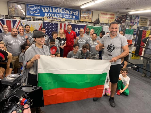 Трикратната световна шампионка Дейзи Ланг подкрепи братя Пулеви