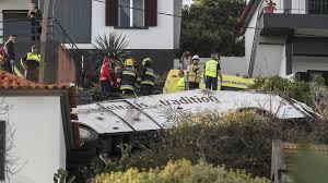 Автобус с германски туристи катастрофира на португалския остров Мадейра, 28 загинали