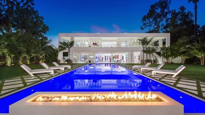 Човек с българско име си купил имот за милиони в Бевърли хилс
