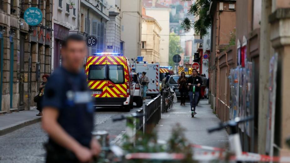 Най-малко 13 души бяха ранени при бомбен атентат в Лион
