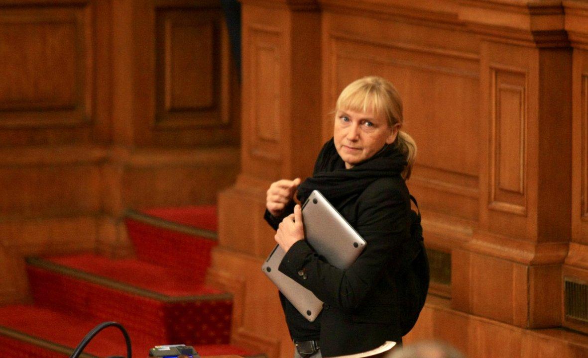 Йончева внесе сигнали до прокуратурата за нарушения на Борисов
