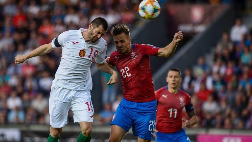 С куп дебютанти България се препъна срещу Чехия