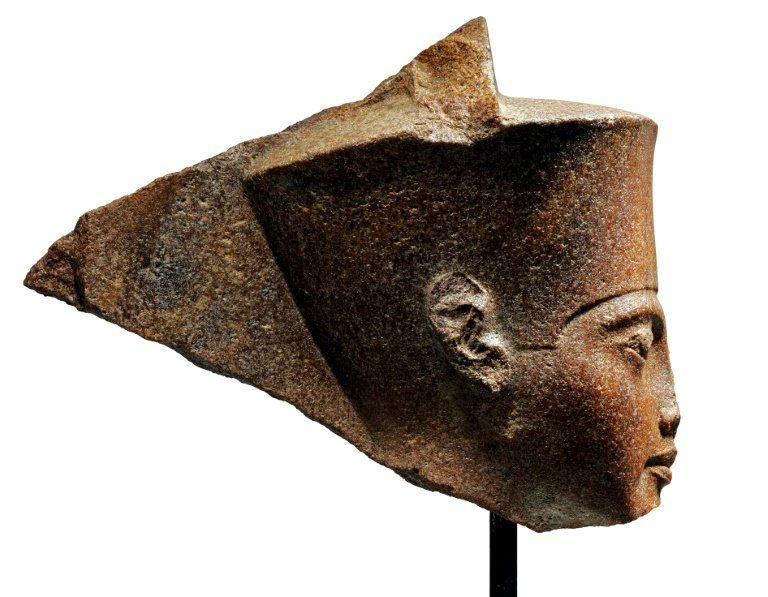 Египет негодува заради скулптура на Тутанкамон, която ще бъде продадена на търг в Лондон