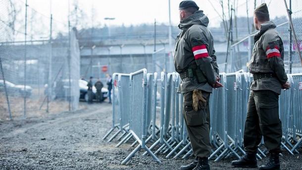 Словения праща 35 войници на границата заради мигранти