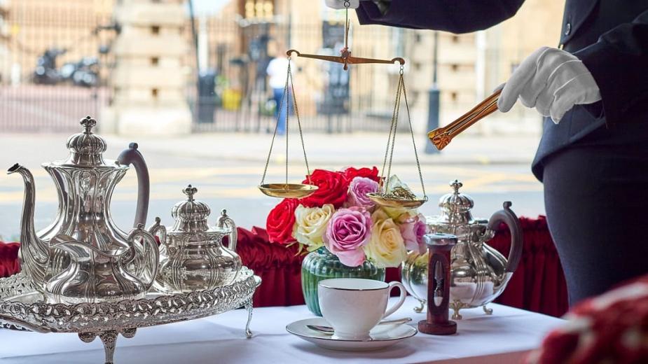 Хотел в Лондон сервира чаша чай за 200 долара