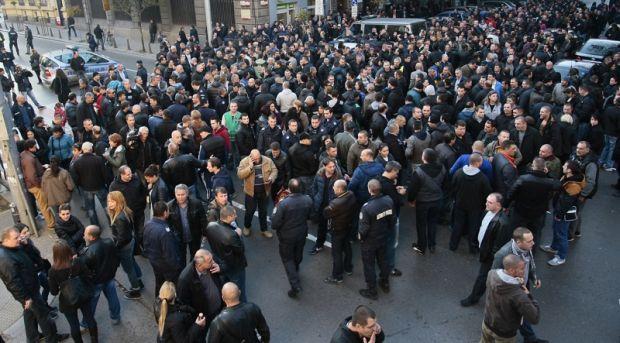 Полицаи излизат на протест заради ниско заплащане на нощния труд
