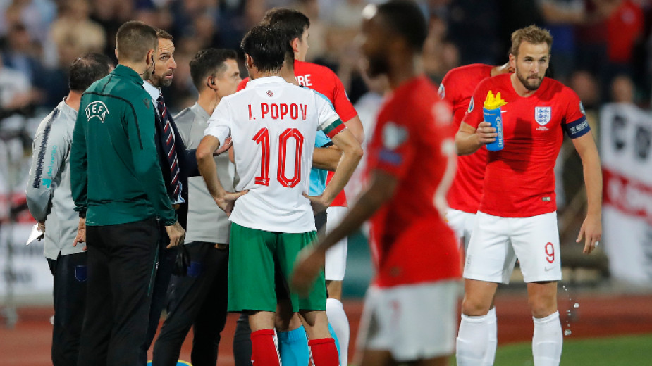 """УЕФА заплаши БФС с """"най-тежките санкции"""""""