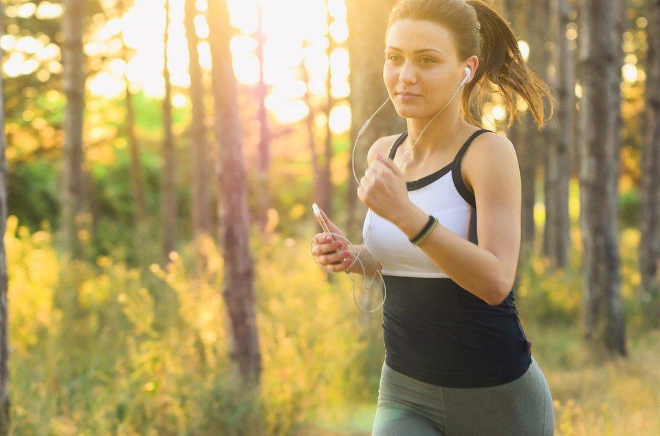 AI приложения конкурират фитнес инструкторите