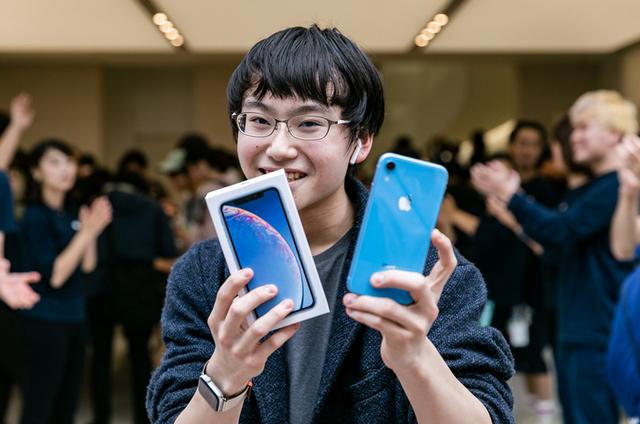 Apple оглави смартфон пазара в последното тримесечие