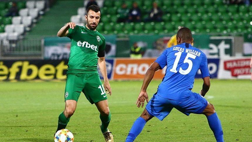 Заплатите в българския футбол се намаляват с 20-30%