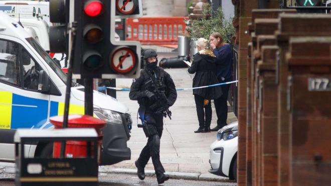 Нападател убит в Глазгоу, има шестима ранени, включително полицай