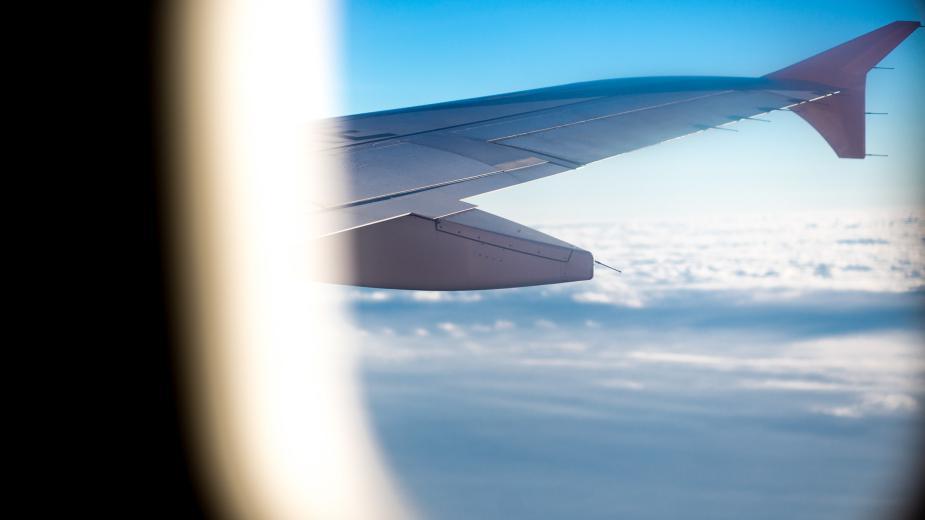 Авиокомпаниите отмениха десетки полети до България през лятото