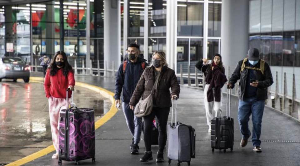 Здравният министър удължи забраната за влизане в България от някои страни