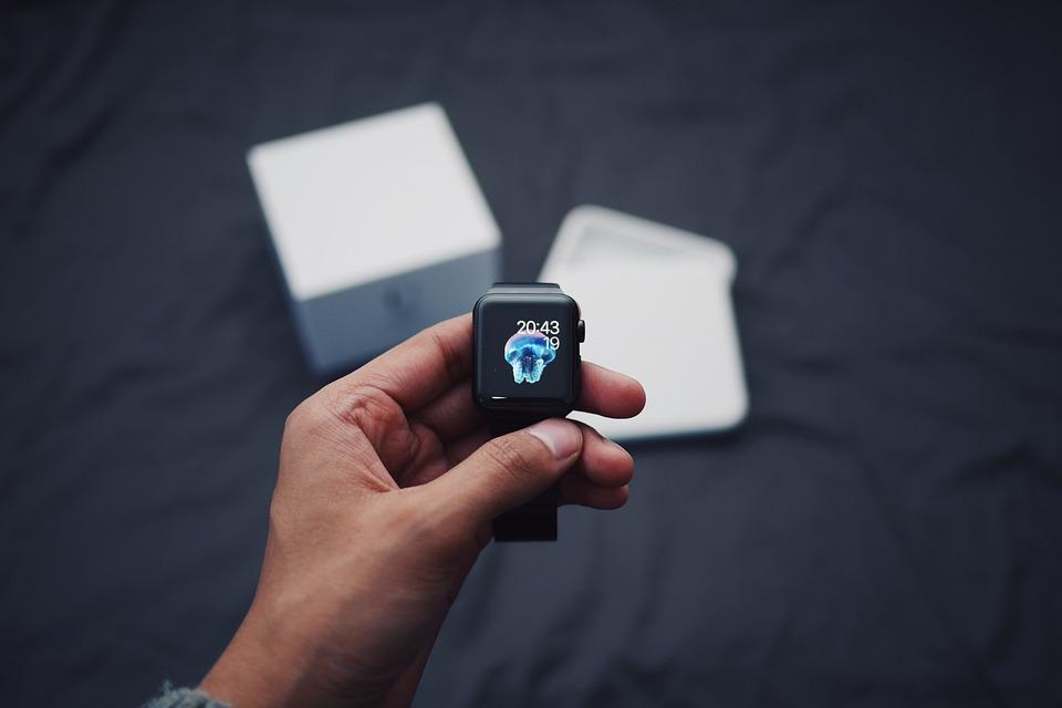 Apple се претовари от активации на iPhone и Watch