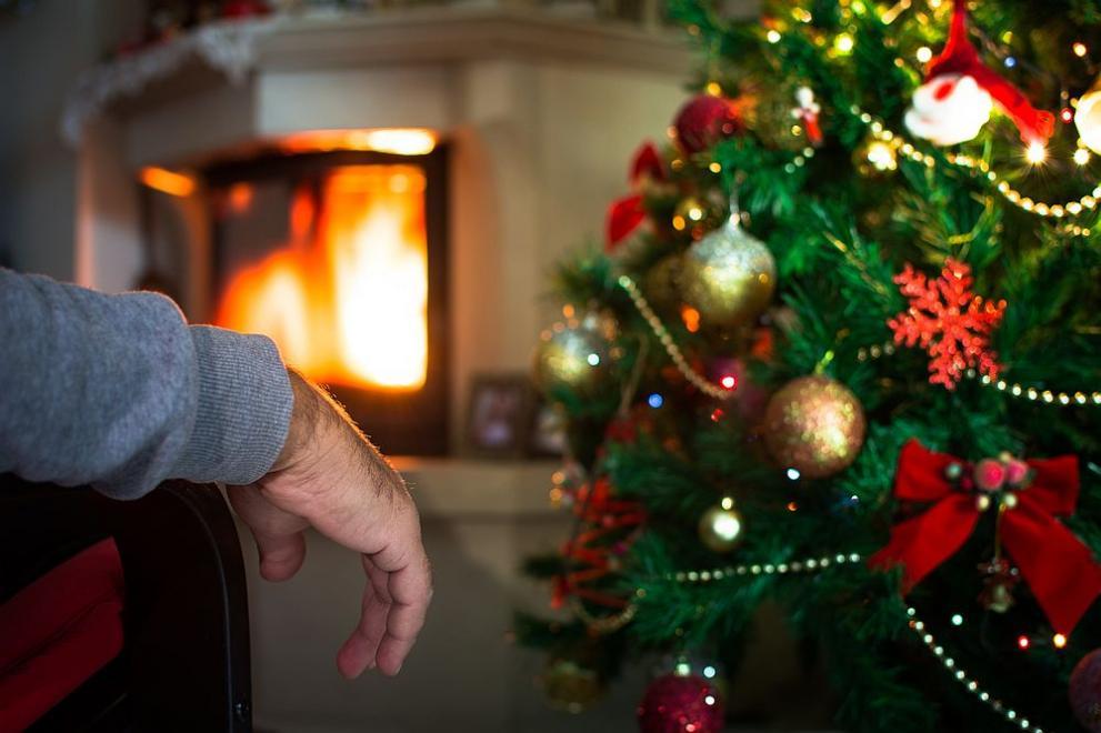 Самотен италиански пенсионер повика карабинери, за да празнува с тях Коледа