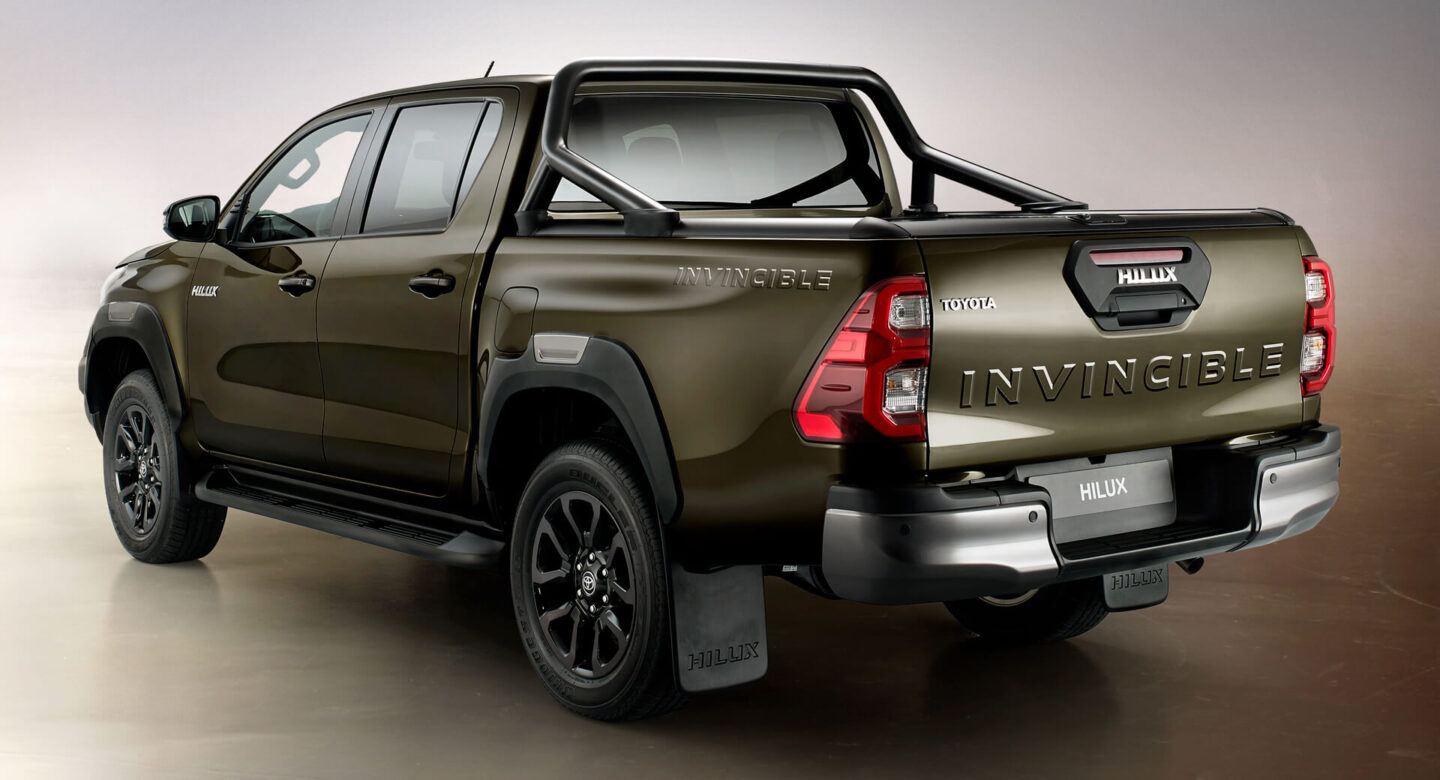 Toyota Hilux 2021 review