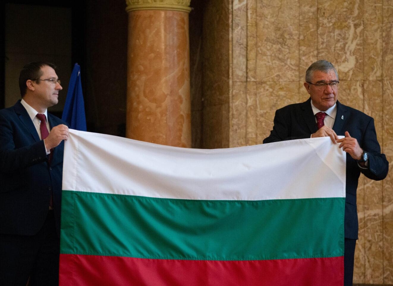 Румен Радев: Българските изследователи в Антарктика отварят вратите към ключово за бъдещето на света знание