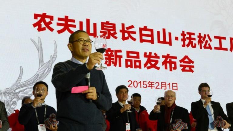 Шонг Шеншен, който стана по-богат от Уорън Бъфет