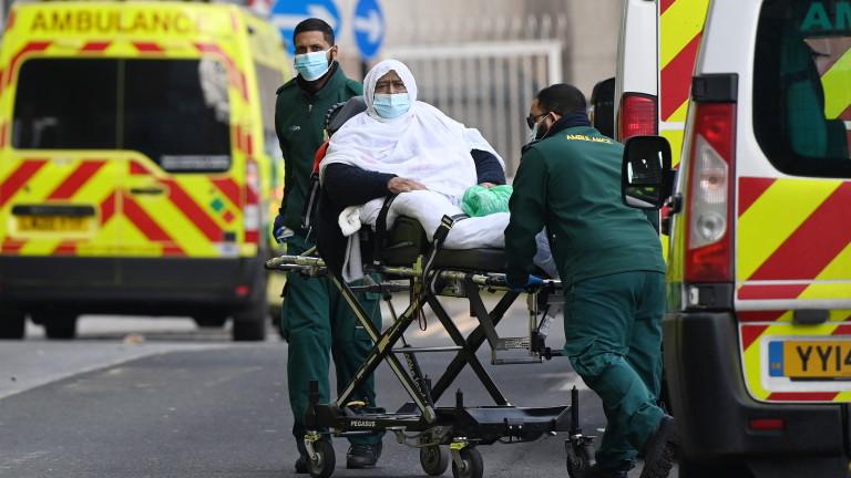 Великобритания продължава да дава много жертви от COVID-19